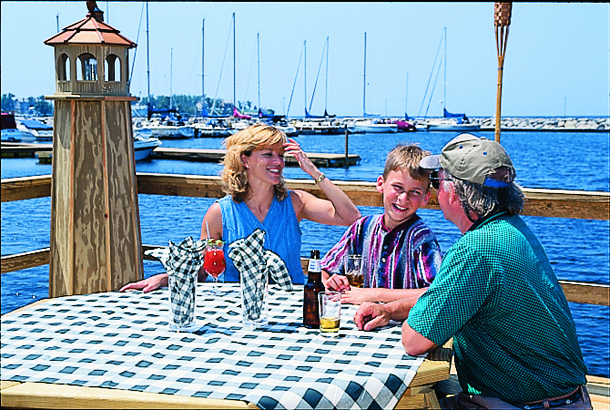 Waterfront-Dining-Sackets-Harbor